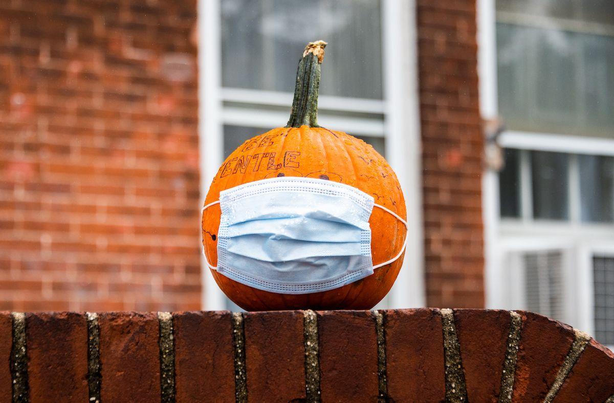Zucca Halloween mascherina coronavirus