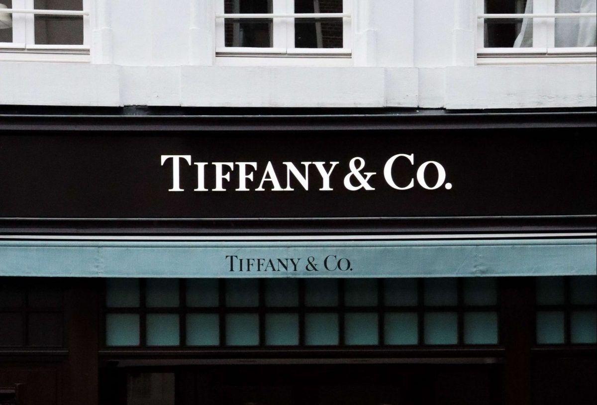 L'insegna di un negozio Tiffany