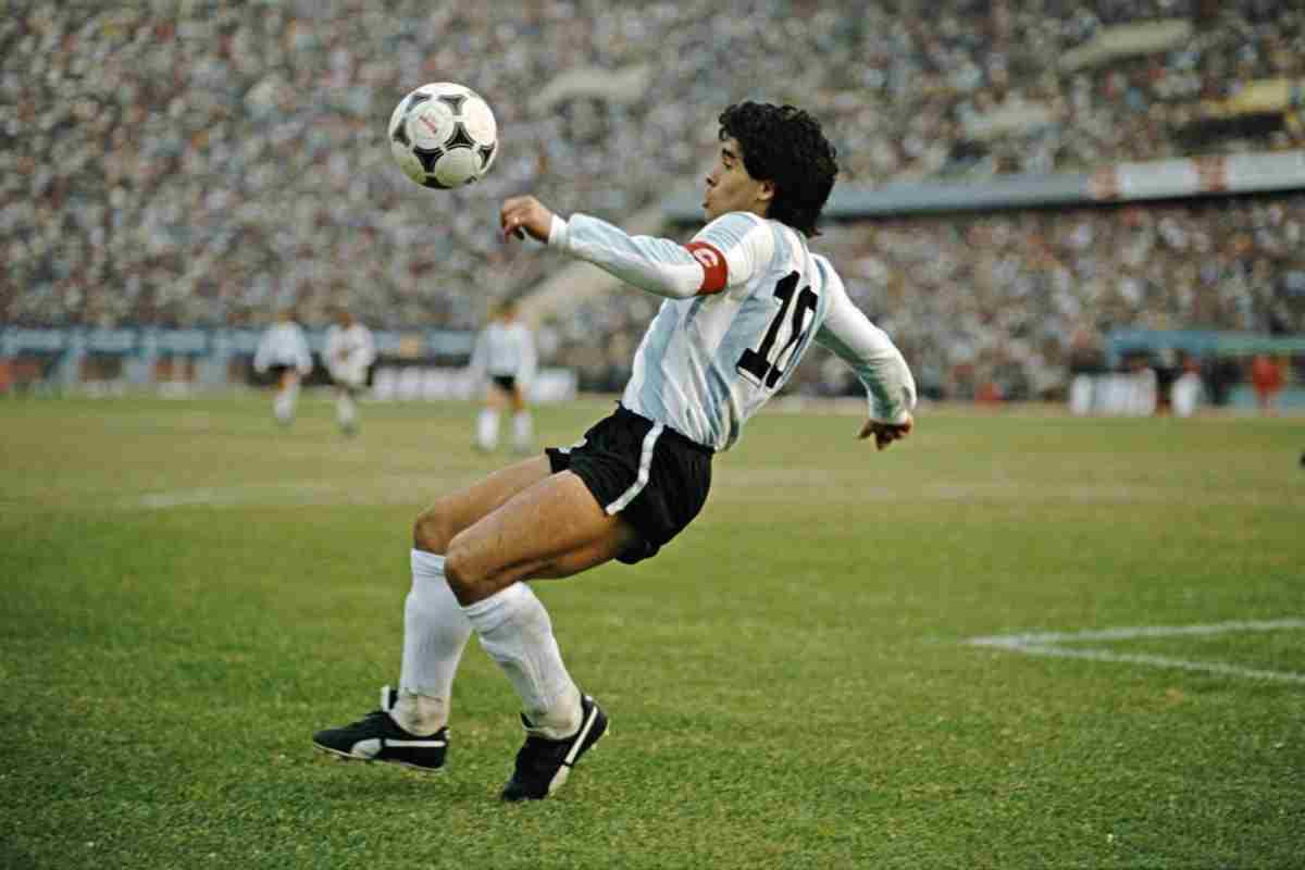 Maradona, un nome scritto nell'olimpo del calcio