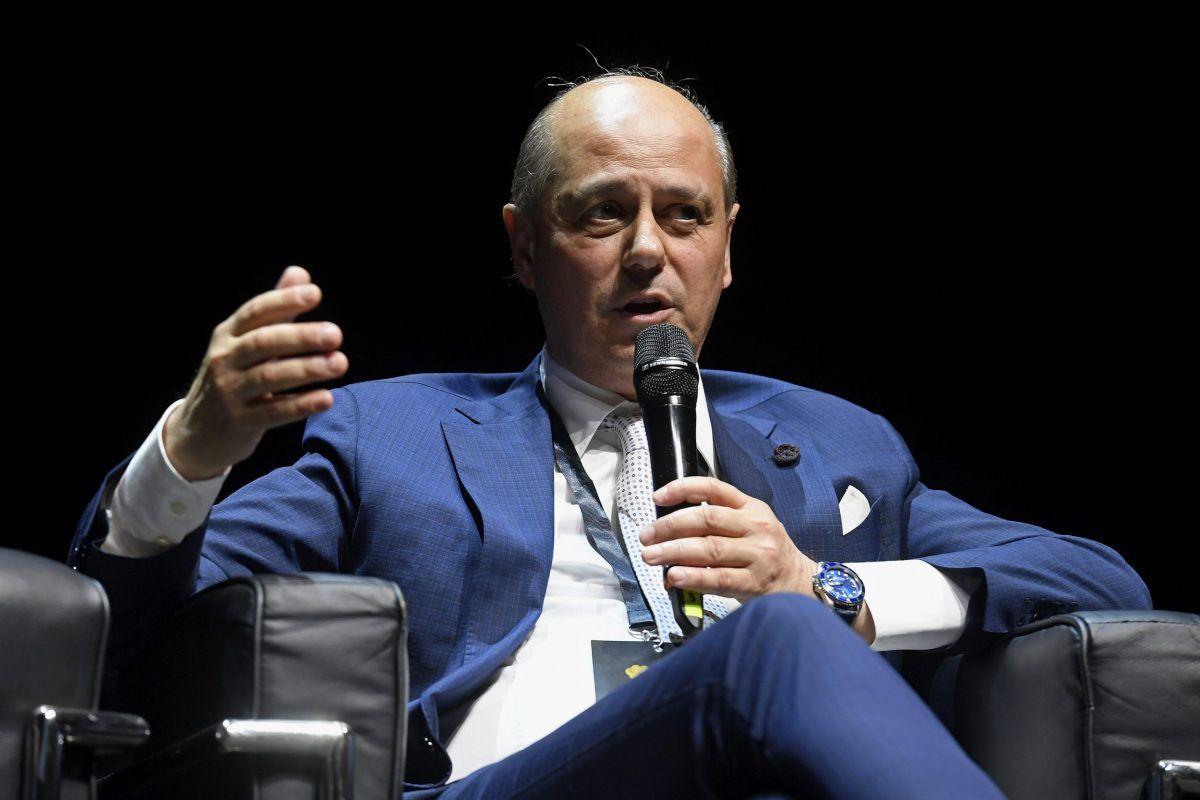 """Frase shock di Guzzini, presidente di Confindustria Macerata: """"La gente è stanca, vuole ripartire. Pazienza se qualcuno morirà"""""""
