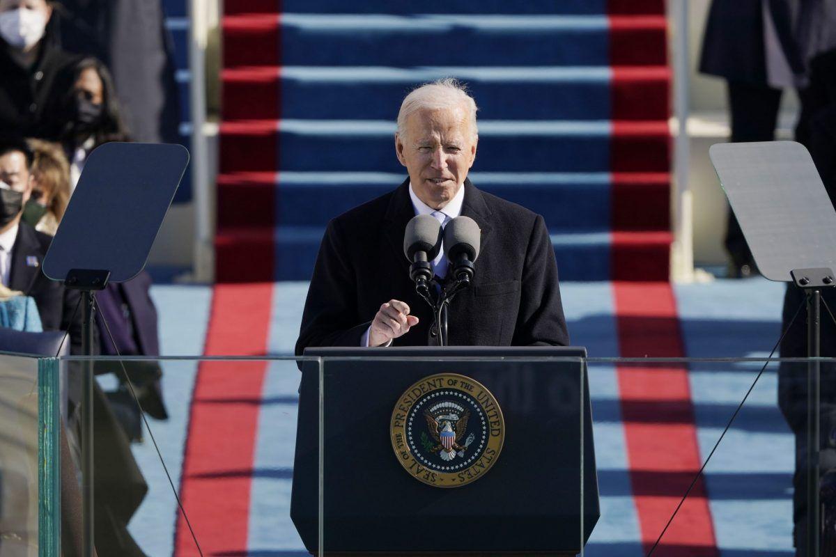 Il presidente degli Stati Uniti Joe Biden parla sul fronte ovest del Campidoglio degli Stati Uniti il 20 gennaio 2021 a Washington, DC. Durante la cerimonia di inaugurazione odierna Joe Biden diventa il 46 ° presidente degli Stati Uniti