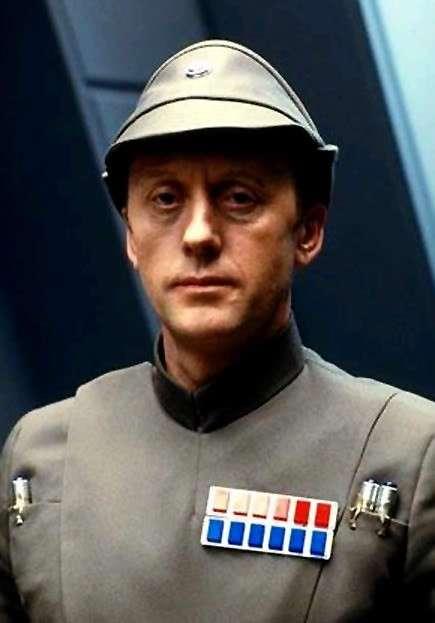 Admiral Piett (Kenneth Colley)
