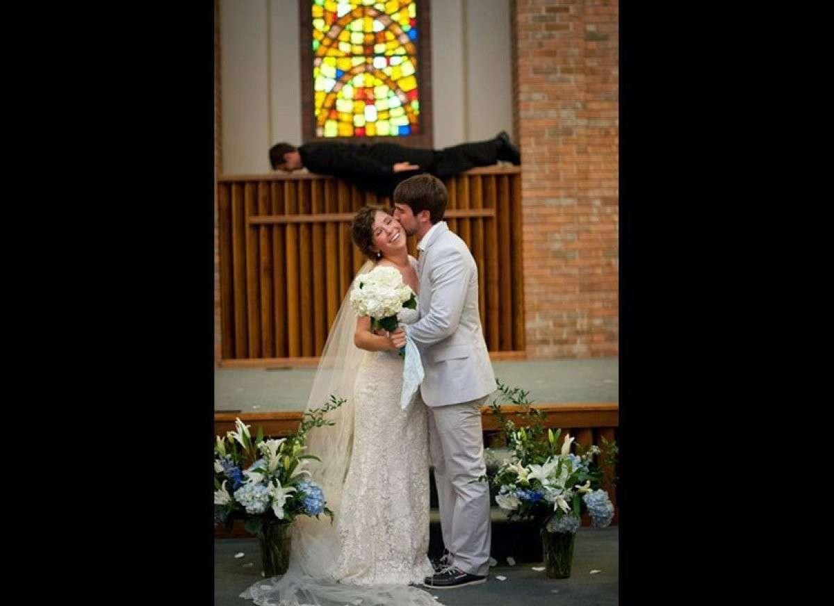 Bacio in chiesa
