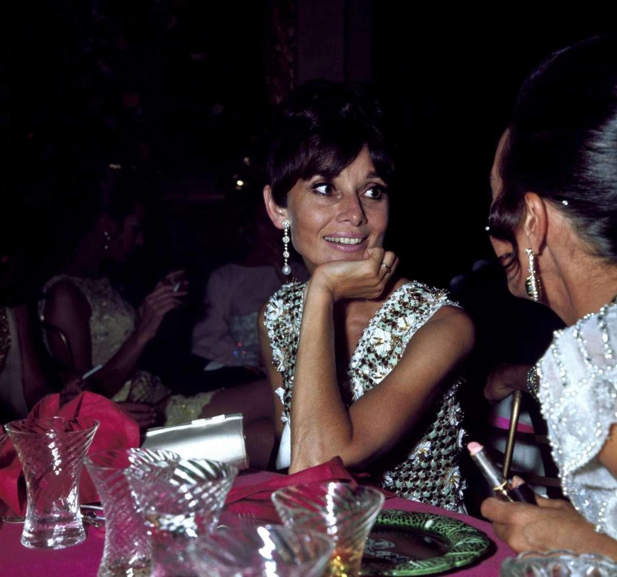 Audrey Hepburn a una serata di gala