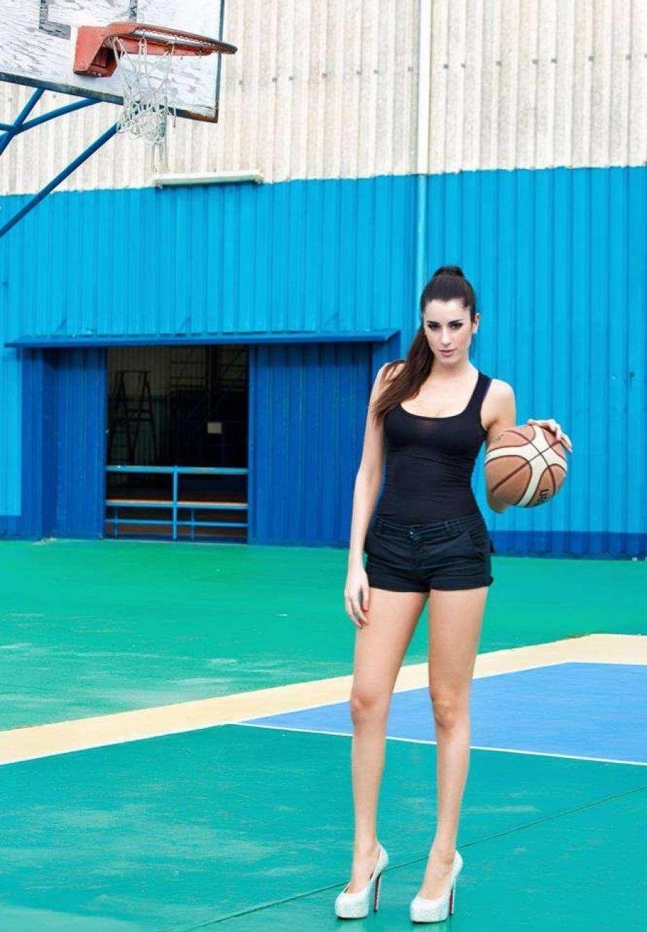 Con il pallone da basket