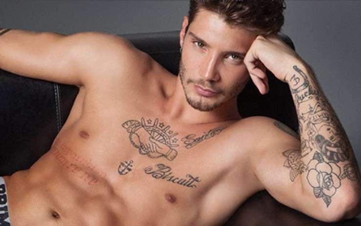 I tanti tatuaggi di Stefano De Martino