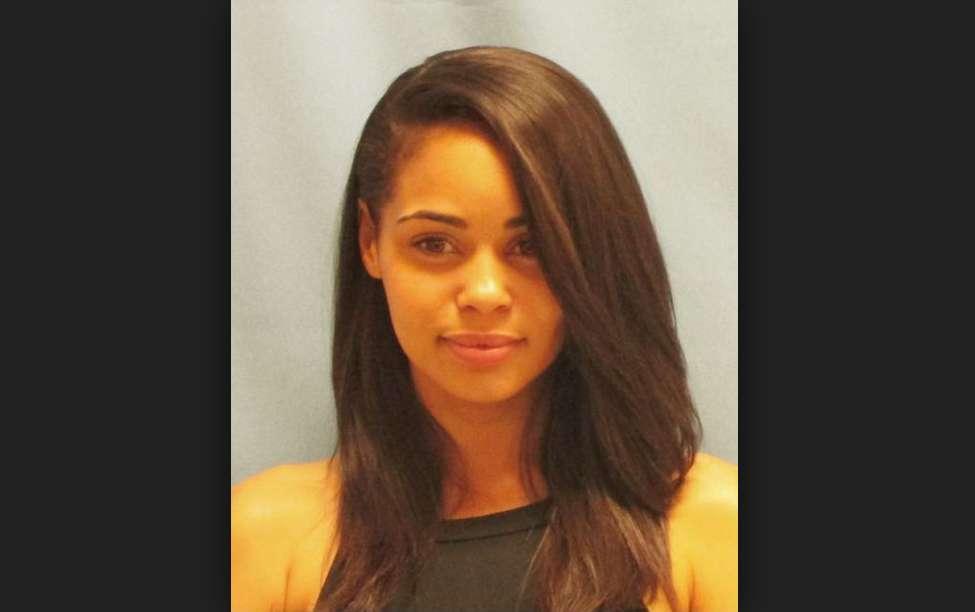 Sarah criminale bella