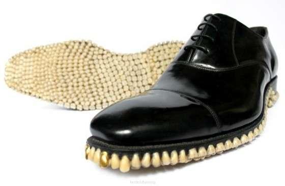 Scarpe con denti