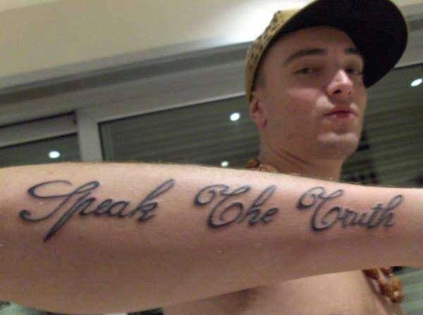 Tatuaggio Speak the Truth di Guè Pequeno