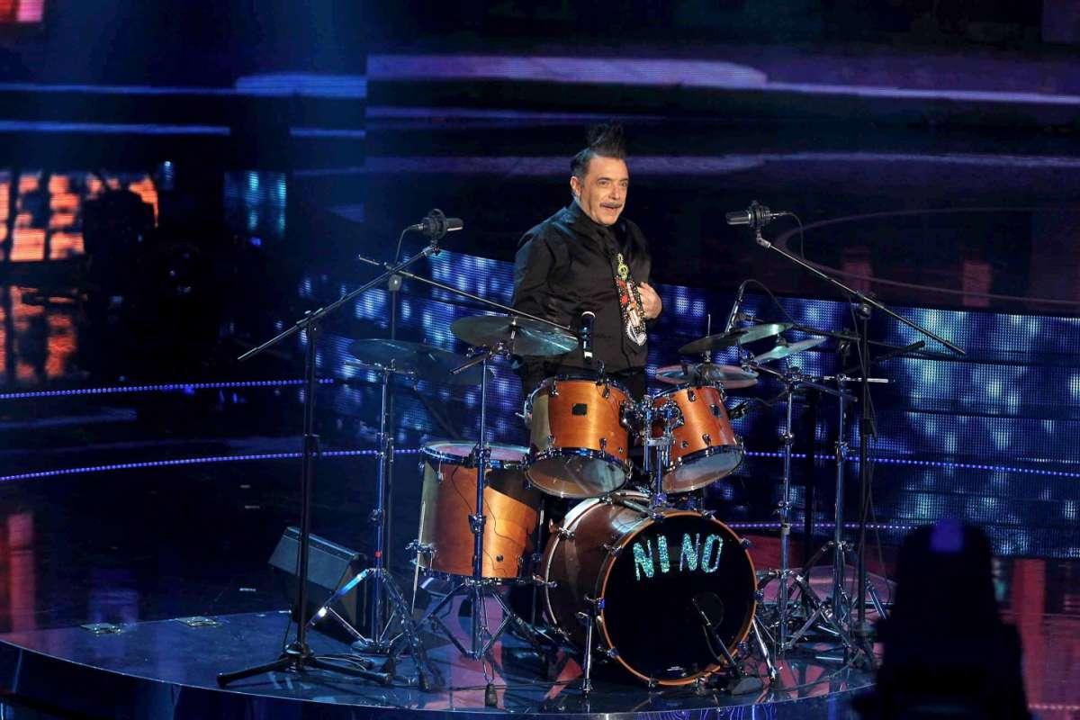 Nino Frassica alla batteria