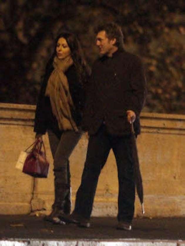 Sabrina Ferilli e Flavio Cattaneo a passeggio