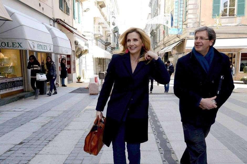 Lorella Cuccarini a spasso