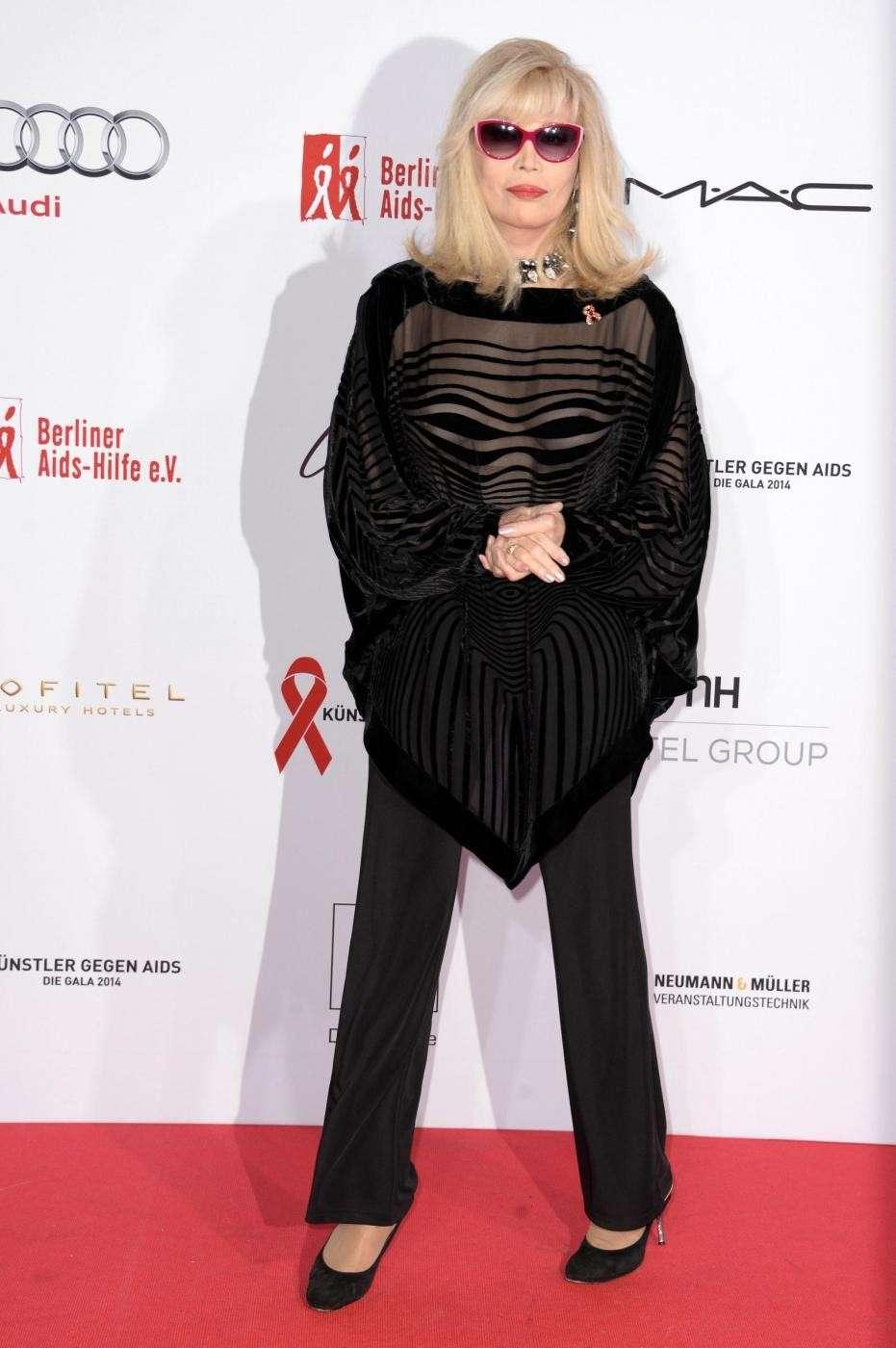 Amanda Lear a un evento di moda