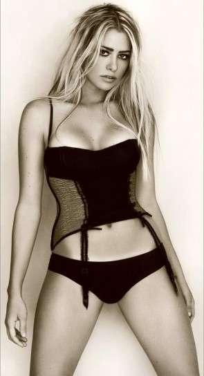 Martina Stella in lingerie