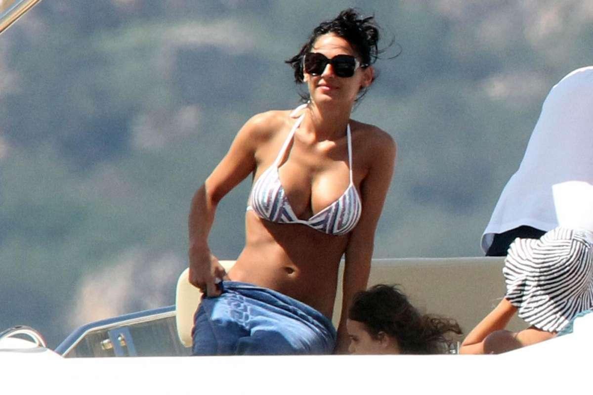 Anna Tatangelo in bikini
