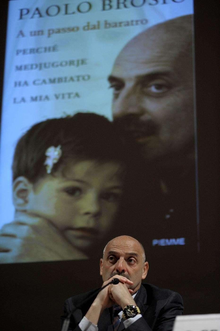 Paolo Brosio al salone del libro di Torino