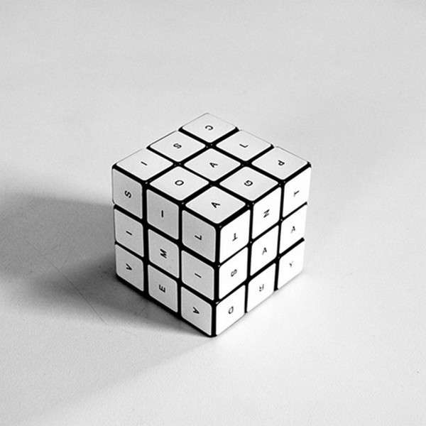 Cubo di Rubik alfabeto