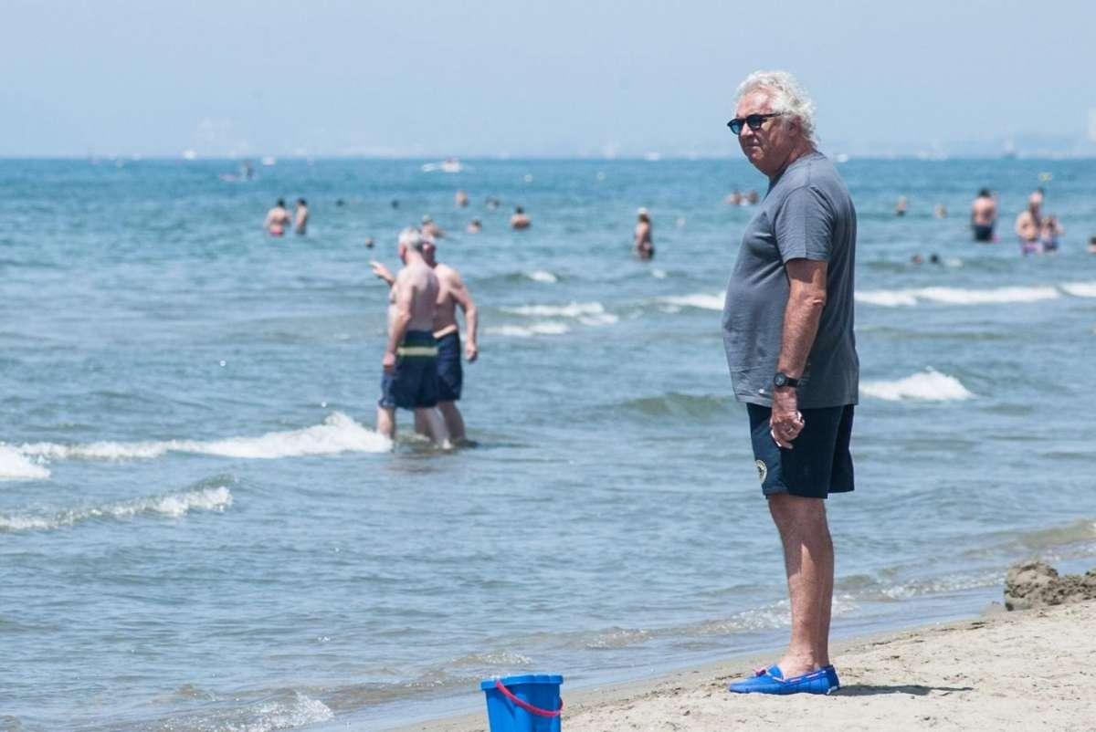 Flavio Briatore ed Elisabetta Gregoraci in spiaggia