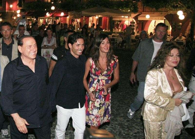 Piersilvio Berlusconi e Silvia Toffanin con Silvio e Veronica Lario