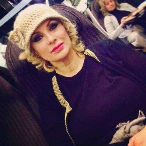 Tina Cipollari con un cappello