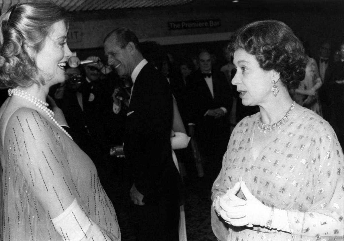 Cybill Sheperd e Queen Elisabeth