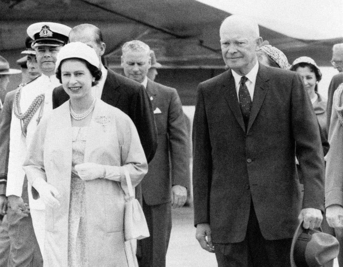 Dwight D Eisenhower e la Regina