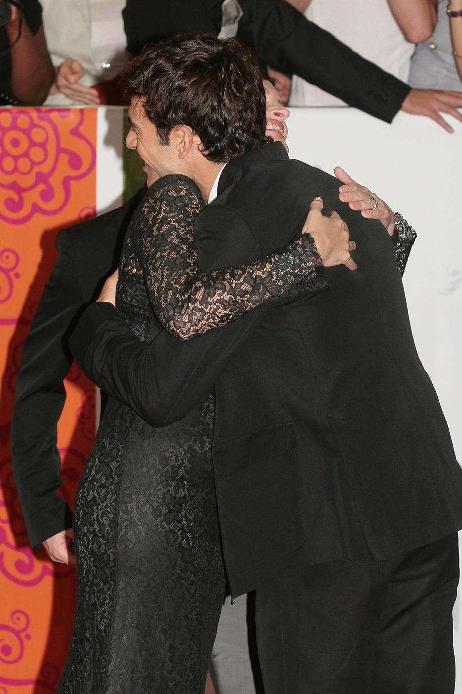 Julia Roberts abbraccia Luca Argentero