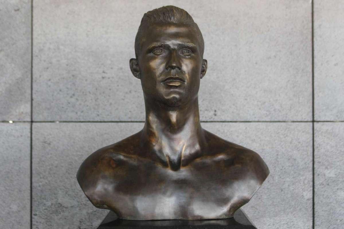 Il busto di Ronaldo