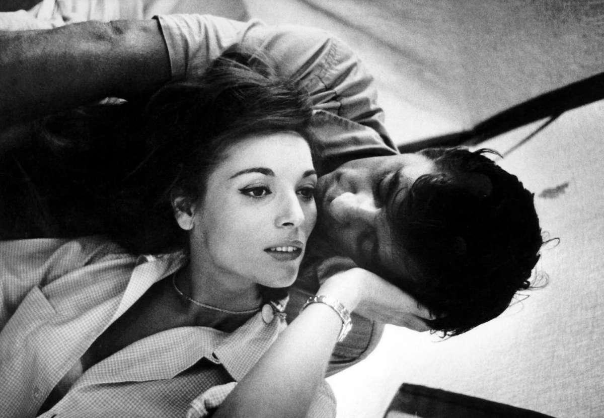 Elsa Martinelli con Robert Mitchum