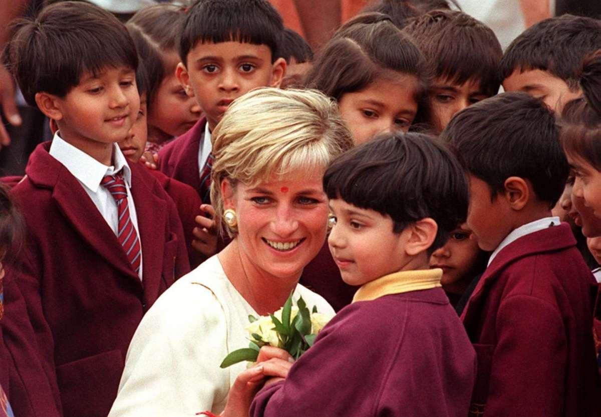 Lady Diana al tempio induista