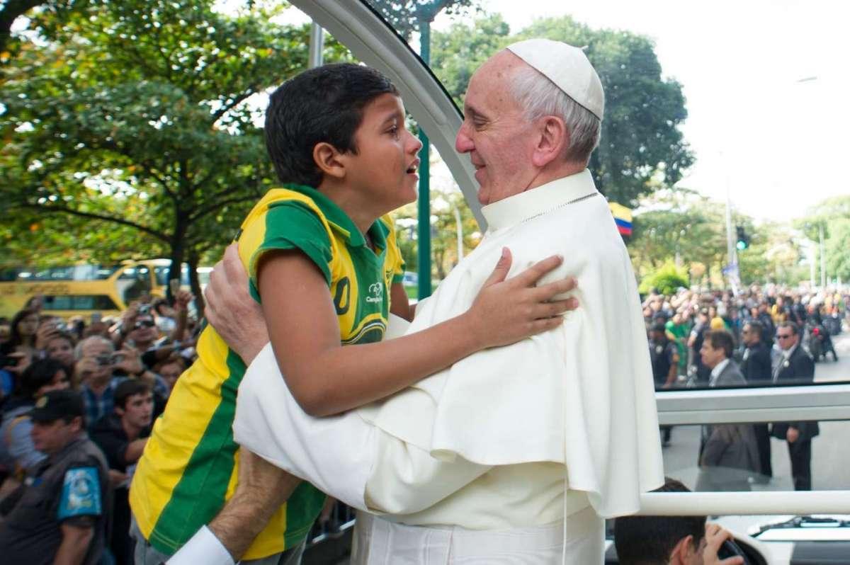 Bimbo Papa voglio essere sacerdote