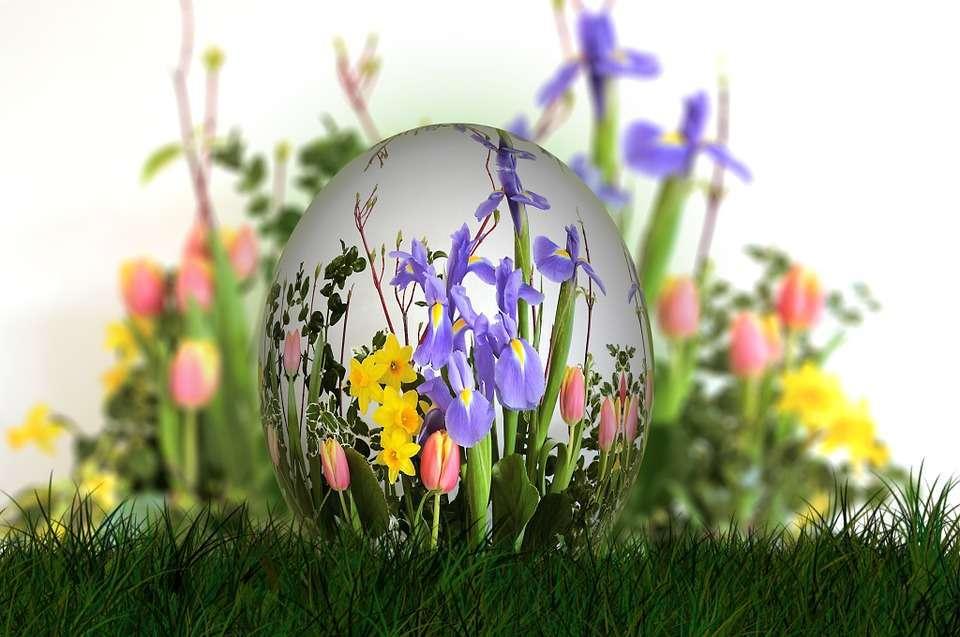 Immagini uovo di Pasqua con bouquet