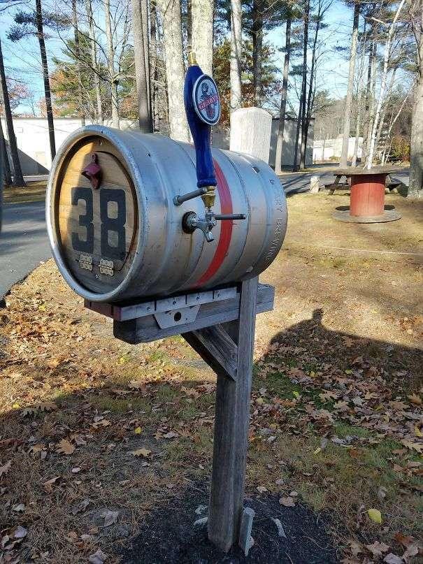 Cassetta posta a tanica di birra