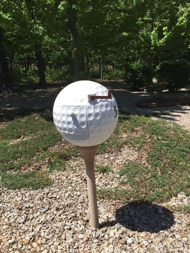 Cassetta posta come una pallina da golf