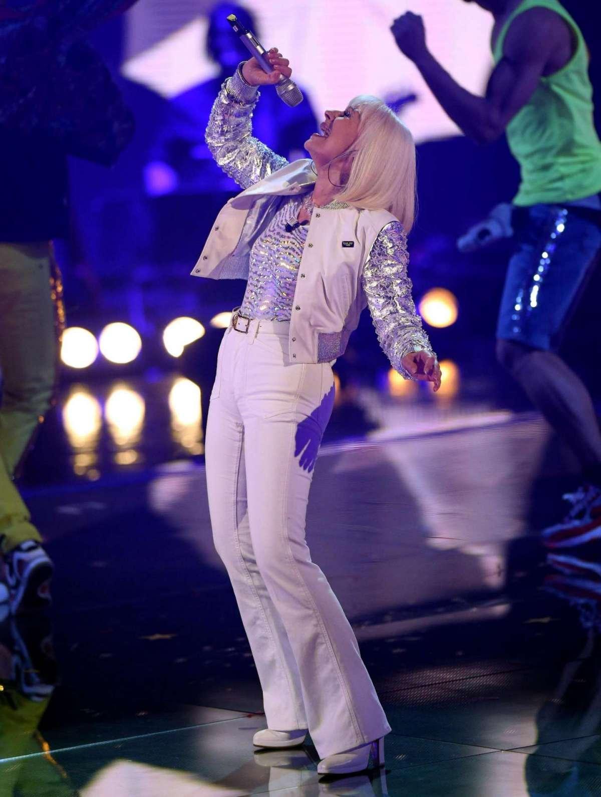 Raffaella Carrà in finale a The Voice