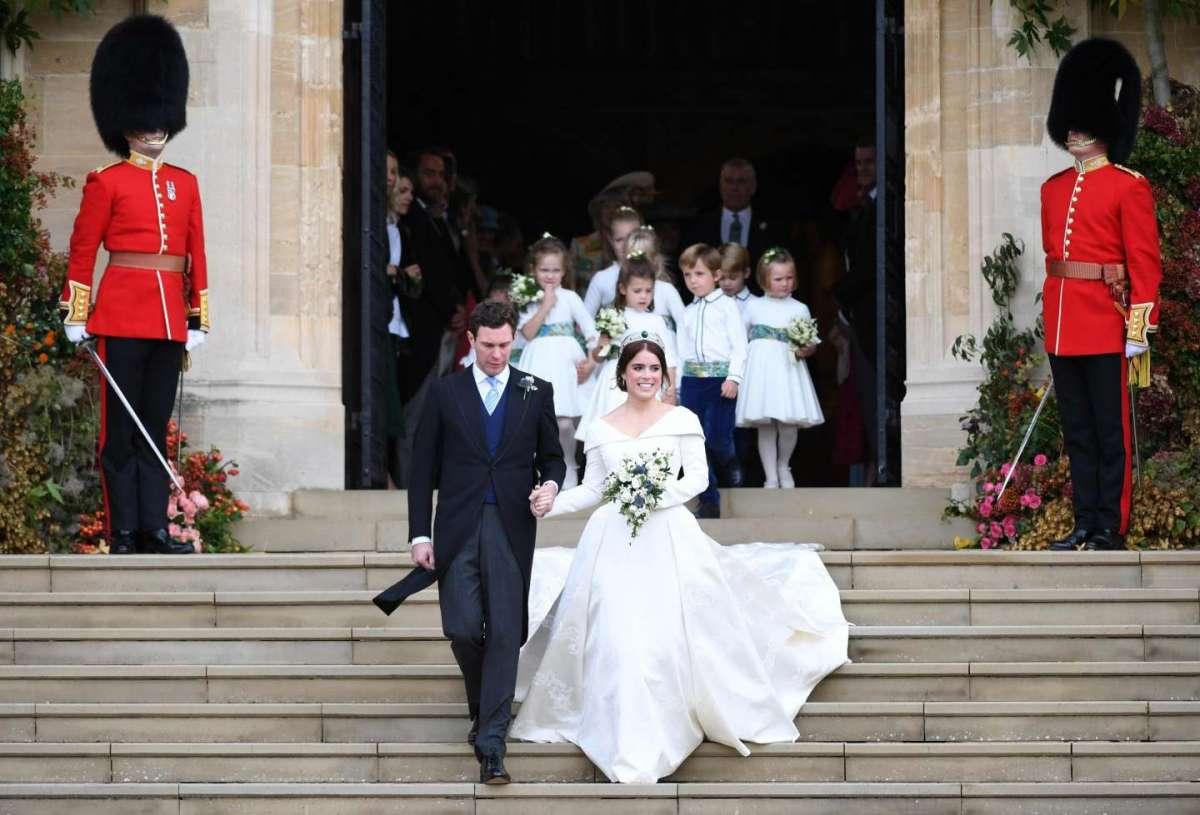 Eugenie di York e Jack Brooksbank lasciano il castello di Windsor