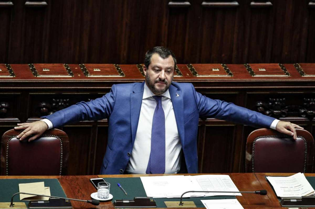 Matteo Salvini fra i banchi del governo